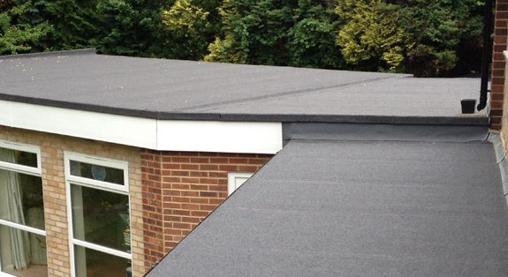Considering A Flat Roof? Watch Out for These Six Problems