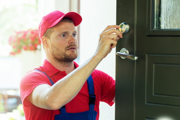 5 Ways to Enhance Your Home Security with a Locksmith